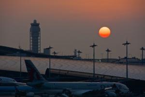 Airport Airplane Sunset Airfield  - lapisbleue / Pixabay