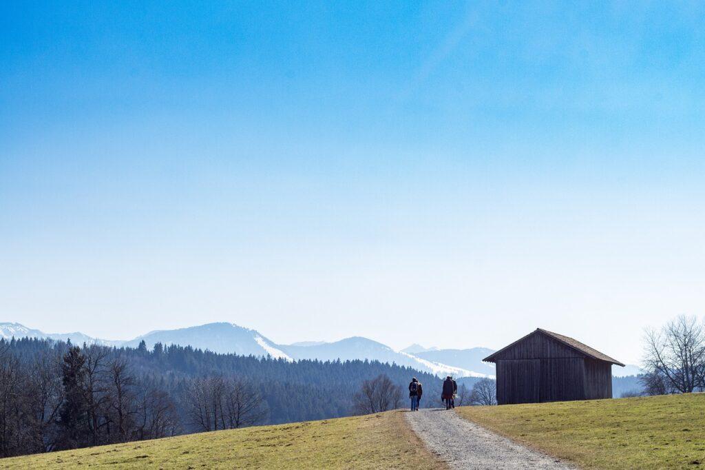 Alps Mountain Hut Mountains Path  - zapCulture / Pixabay