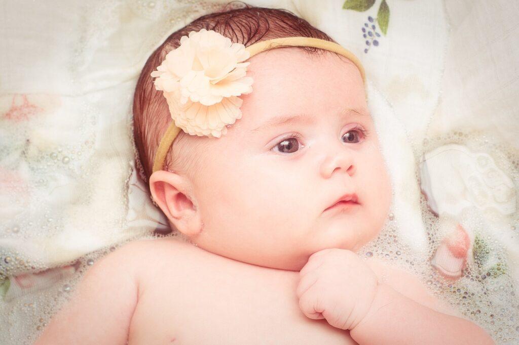 Baby New Born Flower Face Eyes  - shuttersupstudios / Pixabay