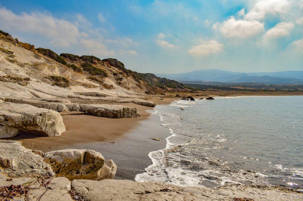 Bay Beach Deserted Cyprus  - dimitrisvetsikas1969 / Pixabay