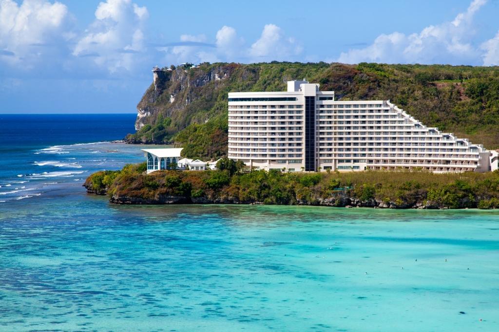 Beach Hotel Resort Island  - texcosa / Pixabay