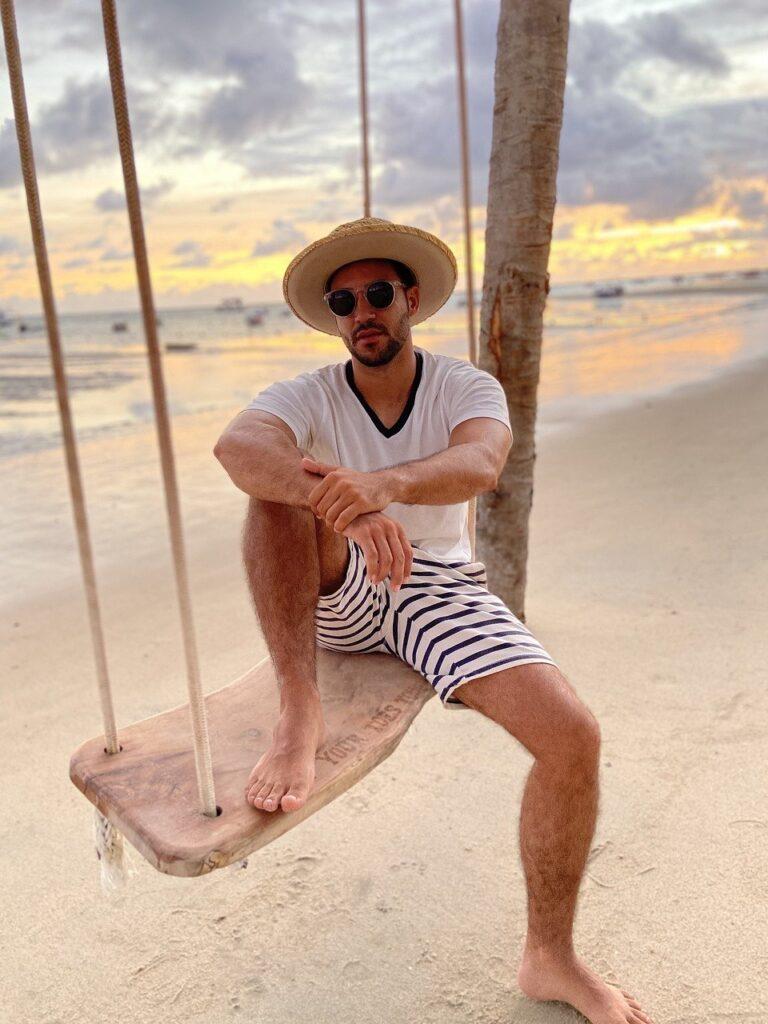Beach Man Swing Hat Sunglasses  - marcellabatista0667 / Pixabay