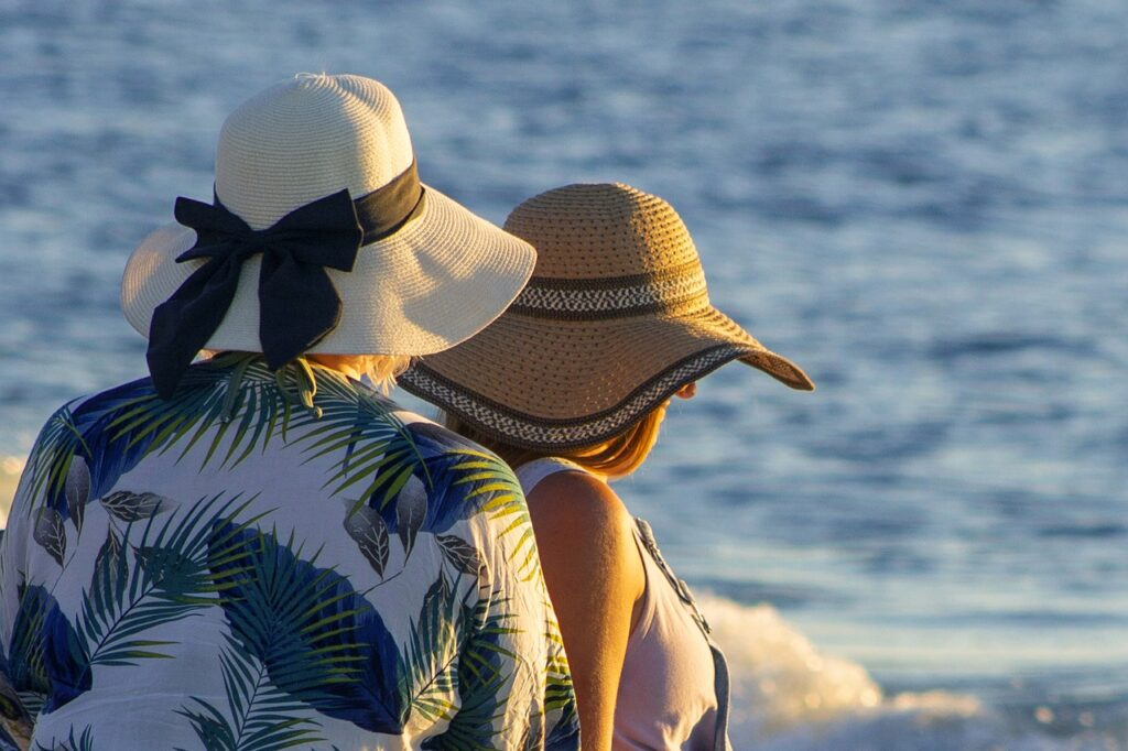 Beach Women Hats Friends Summer  - debannja / Pixabay