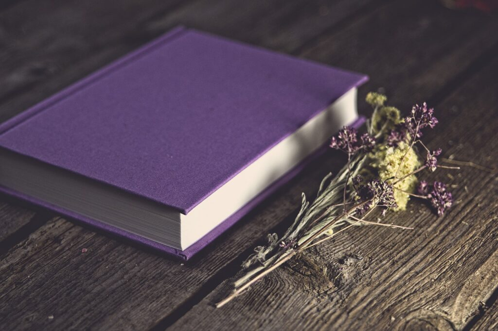 Book Flowers Purple Book  - save_moments / Pixabay