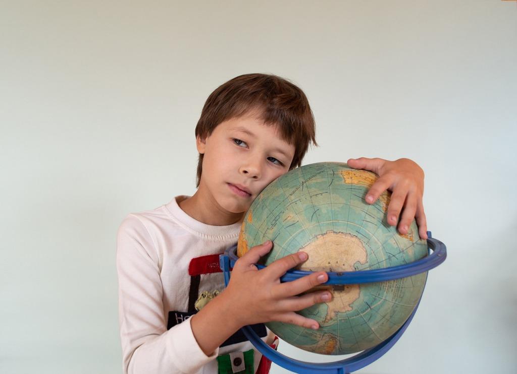 Boy Baby The Globe Childhood  - Victoria_Borodinova / Pixabay