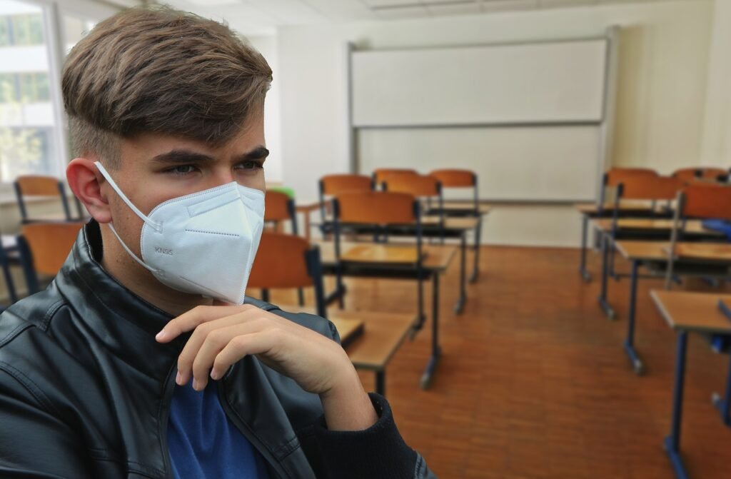 Boy Face Mask Young Pandemic  - Alexandra_Koch / Pixabay