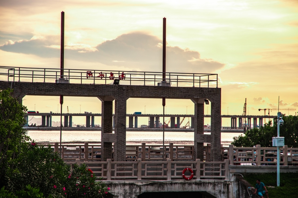 Bridge Sea China Sluice Sea Bridge  - 再吃一碗不吃 / Pixabay