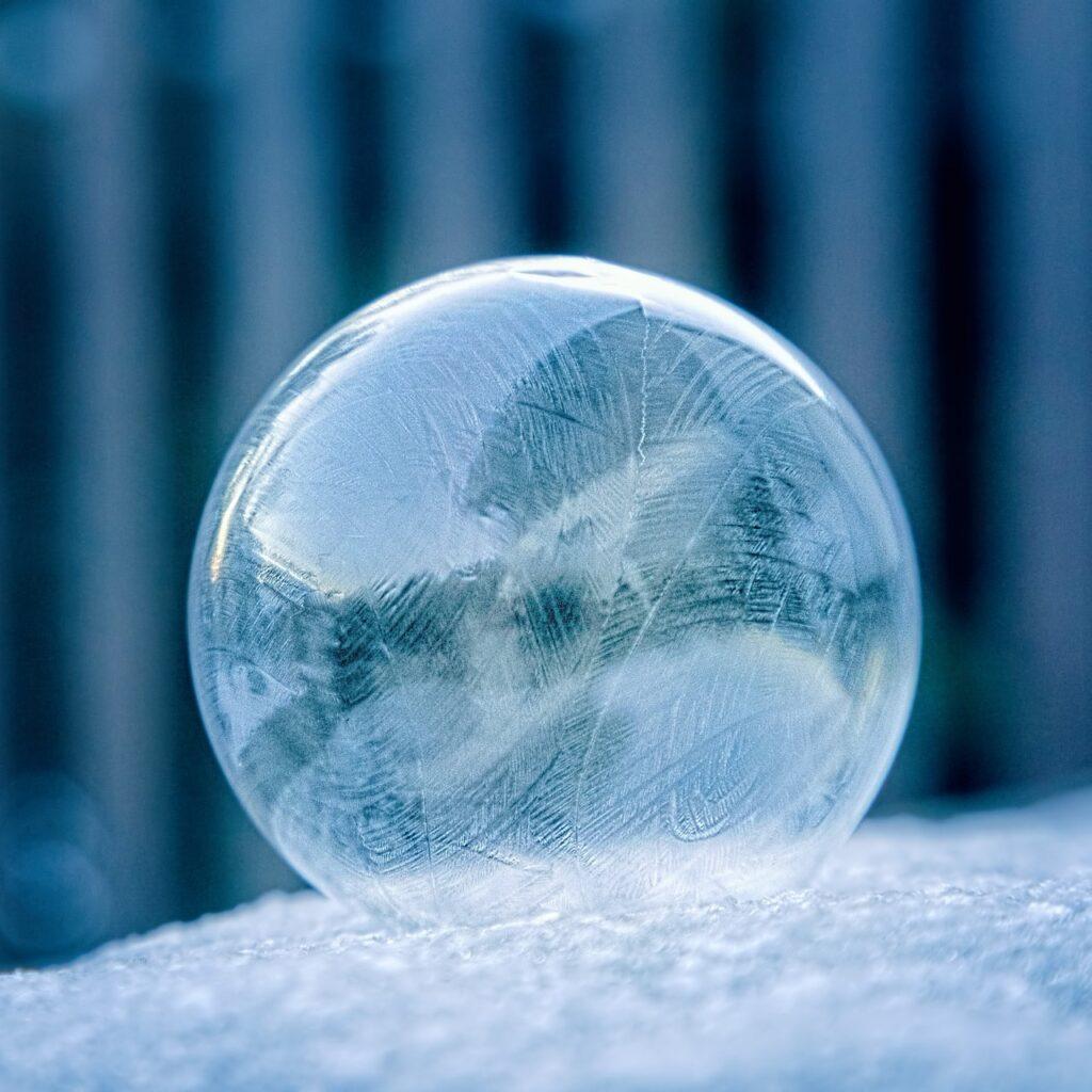 Bubble Ice Fog Icy Winter Snow  - Adroit_Customs / Pixabay