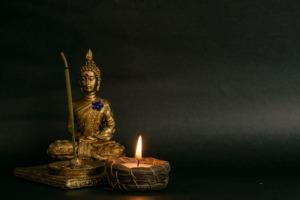 Buddha Statue Candle Spiritual  - ernestovdp / Pixabay
