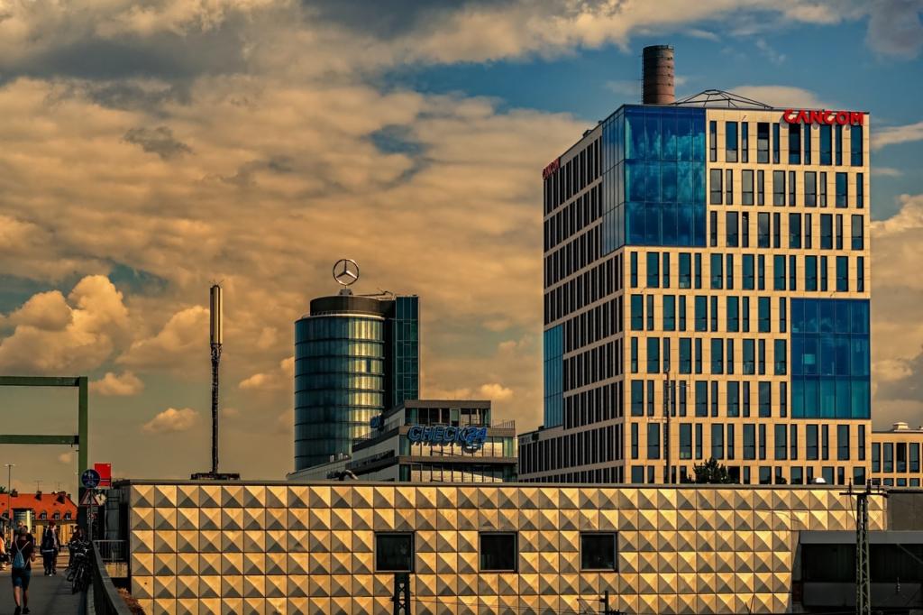 Building Architecture Facade  - Portraitor / Pixabay