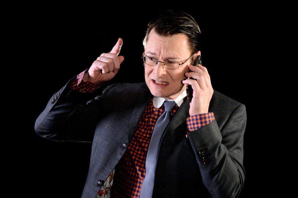 Businessman Suit Tie Angry  - michael_schueller / Pixabay
