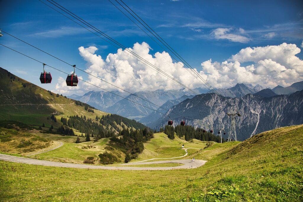 Cable Car Mountains Cables Gondolas  - justmarius_de / Pixabay