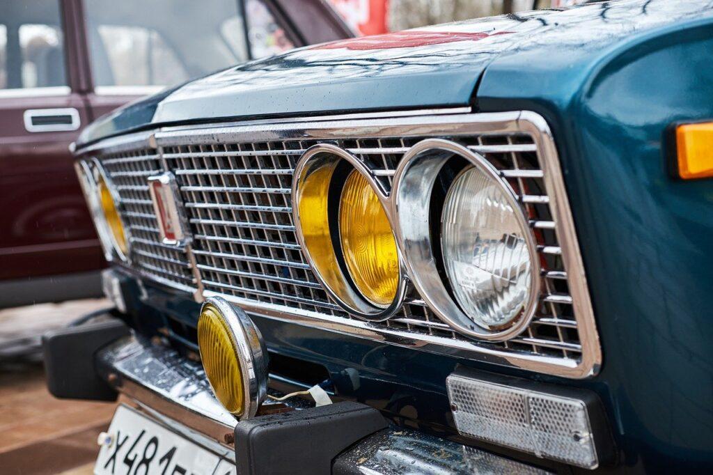 Car Lada Classic Headlight  - grishamineev8 / Pixabay