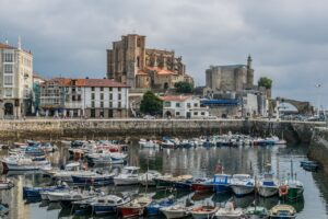 Castro Urdiales Cantabria Spain  - javierAlamo / Pixabay