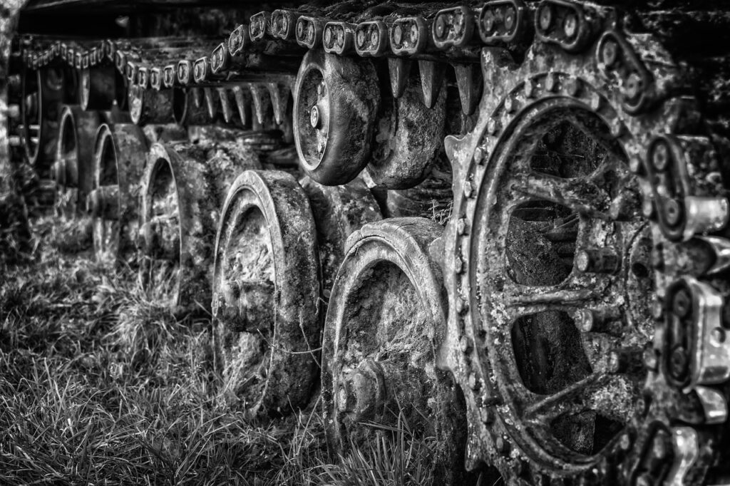 Chains Panzer War Gloomy Weapons  - Tama66 / Pixabay