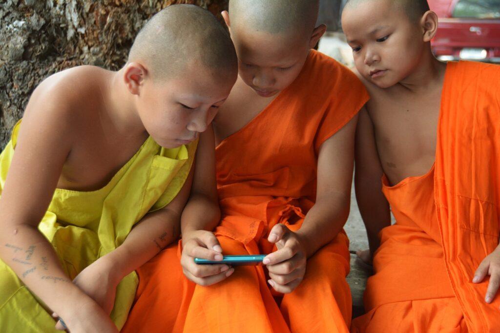 Children Learning Video Game Boys  - terimakasih0 / Pixabay