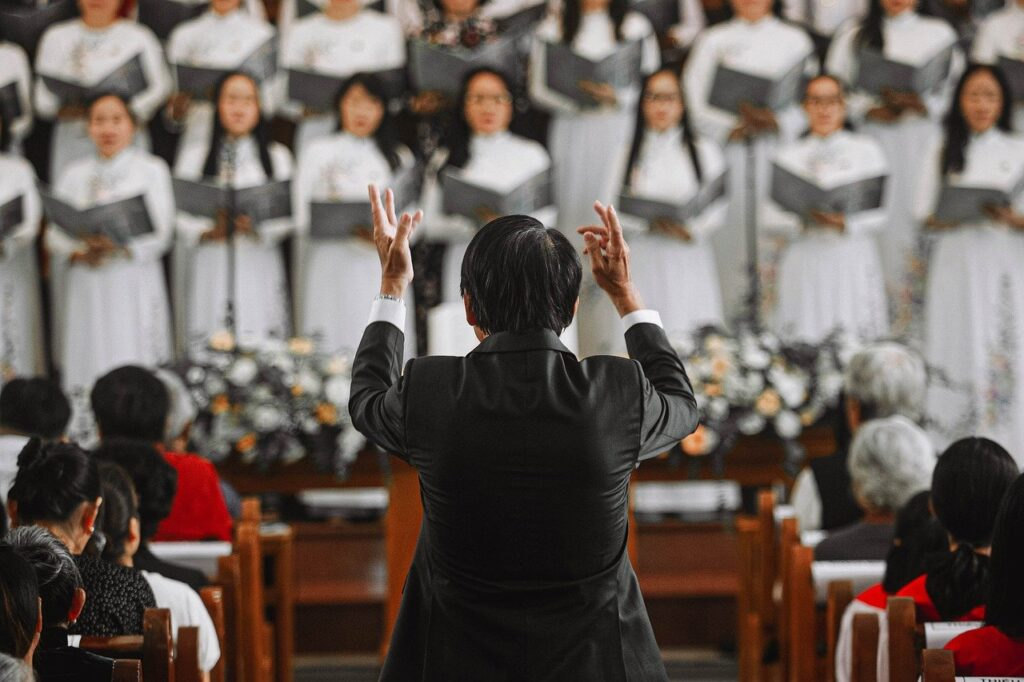 Choir Choir Master Church Conductor  - dangkhoa1848 / Pixabay
