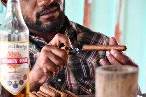 Cigars Man Lighter Drink Bottle  - TFWF2020 / Pixabay