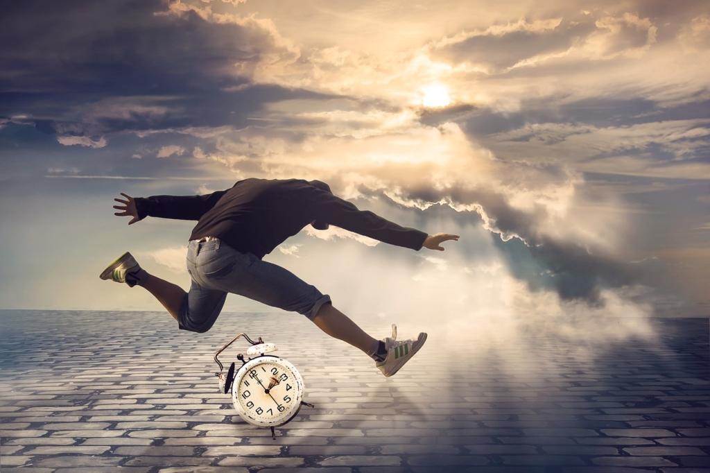 Clock Jump Hurry Alarm Clock Time  - Myriams-Fotos / Pixabay