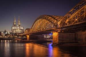 Cologne Cathedral Bridge Night  - TB-Photography / Pixabay