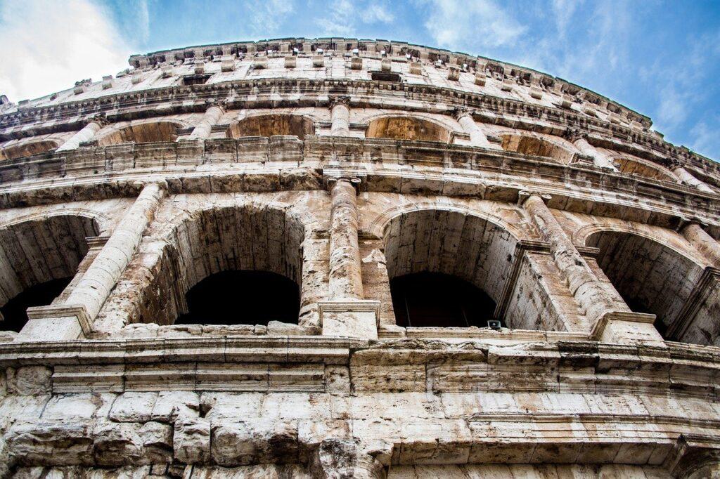 Colosseum Amphitheatre Monument  - Midicloriano / Pixabay