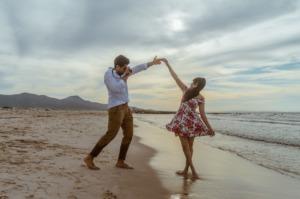 Couple Love Romantic People  - chermitove / Pixabay