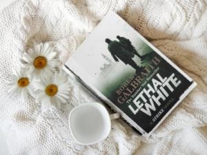 Cozy Book Flowers Cup Mug Novel  - NovelOnMyMind / Pixabay
