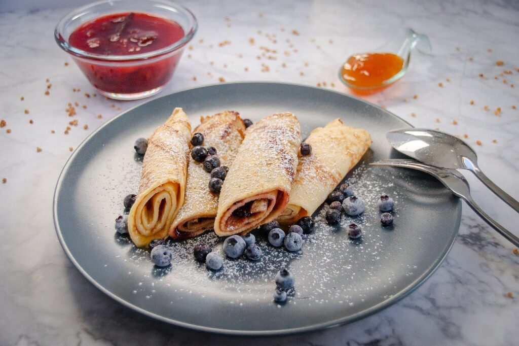 Crepes Blueberries Plate Breakfast  - JLerche / Pixabay