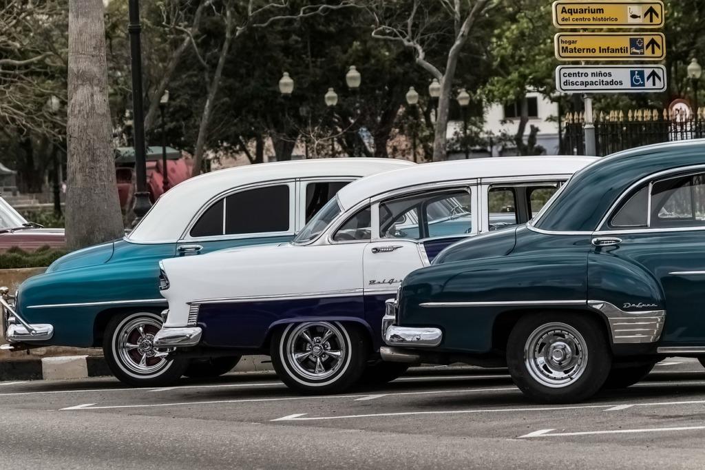 Cuba Old Havana Taxis Vintage Cars  - BarbeeAnne / Pixabay