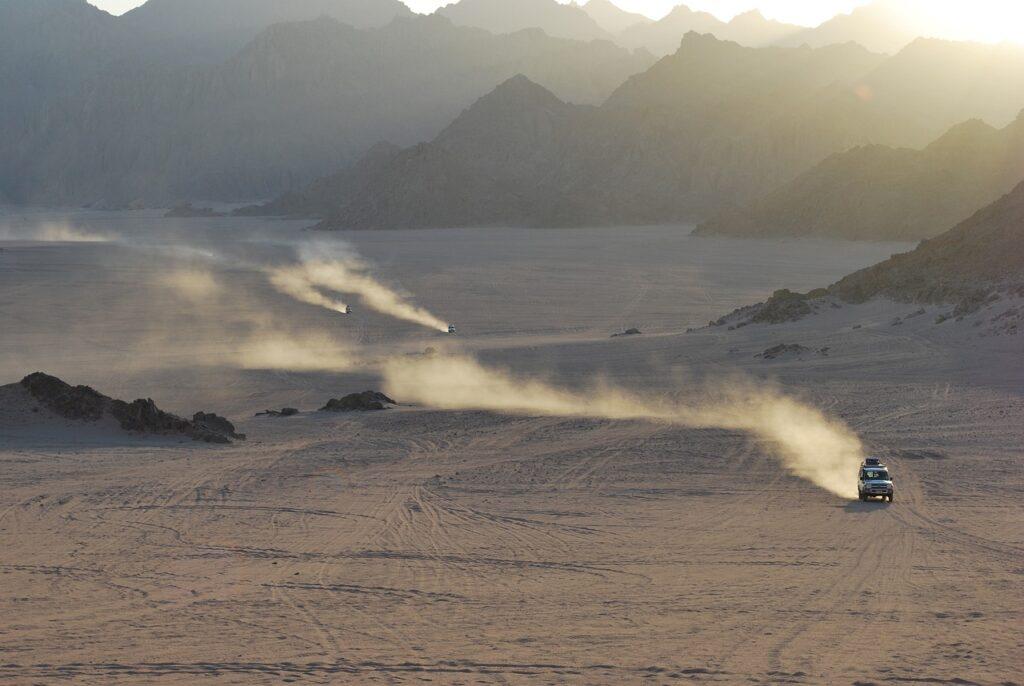 Desert Safari Egypt Travel X  - larskollin / Pixabay