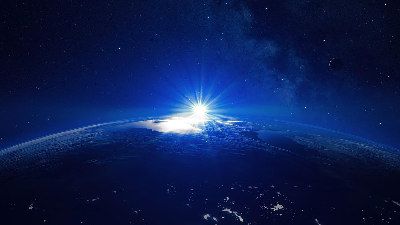 宇宙空間は真空に近いのに、太陽の放射熱が伝わってくるのっておかしくない???