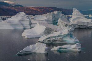 Expedition Arctic Iceberg Glacier  - mariohagen / Pixabay