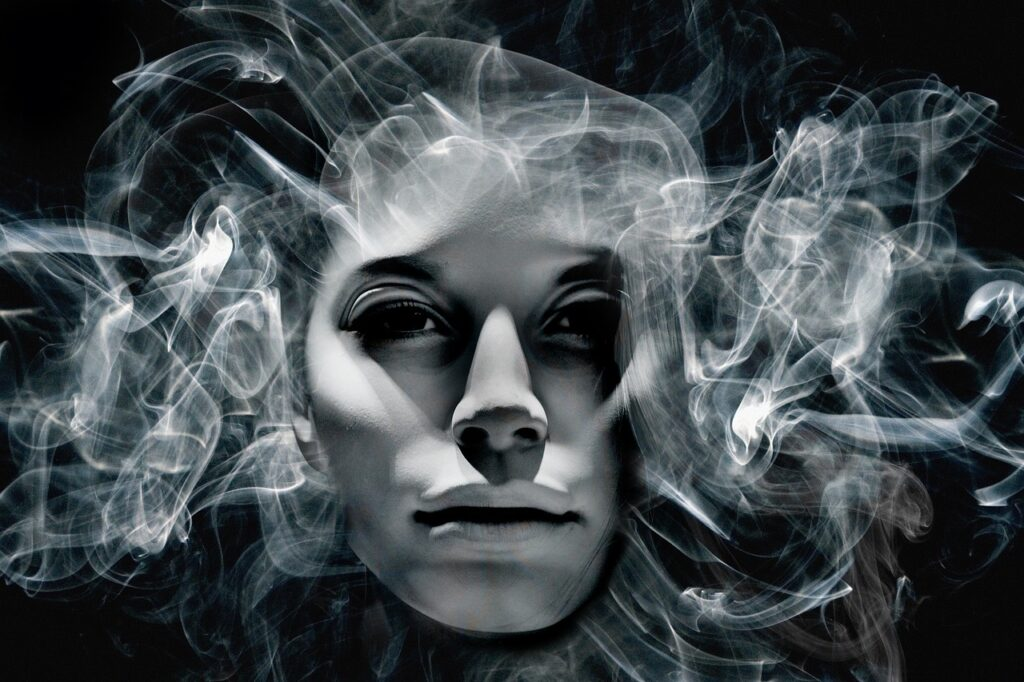 Face Soul Head Smoke Portrait  - geralt / Pixabay