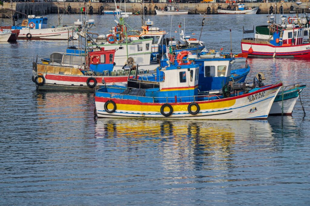 Fishing Boats Port Sea Bay Ocean  - maczhb / Pixabay