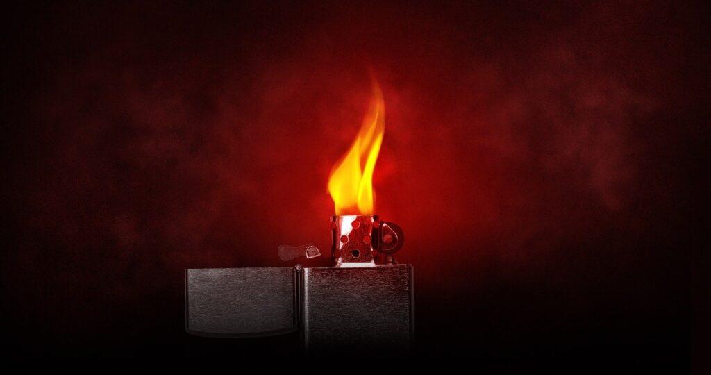 Flame Lighter Light Burning Kindle  - Comfreak / Pixabay