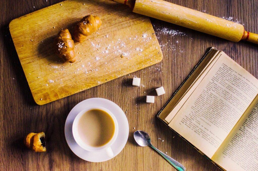 Food Coffee Flat Lay Book  - nicol2103 / Pixabay