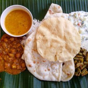 Food Naan Curry Asian Indian  - Adrega / Pixabay
