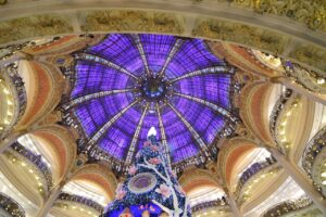 Galeries Lafayette Paris Christmas  - juliacasado1 / Pixabay