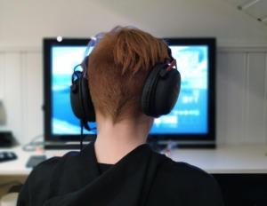 Gaming Boy Child Play Kid  - Bokskapet / Pixabay