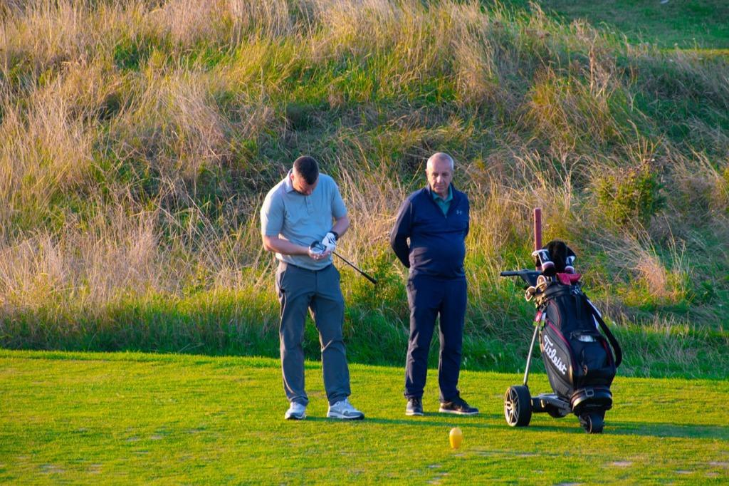 Golfers Golf North Berwick Golfer  - Scottieal / Pixabay