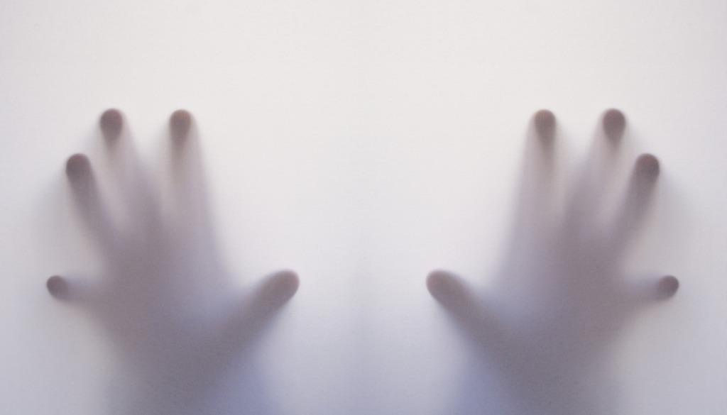 Hands Ghost Nightmare Fear Creepy  - Tumisu / Pixabay