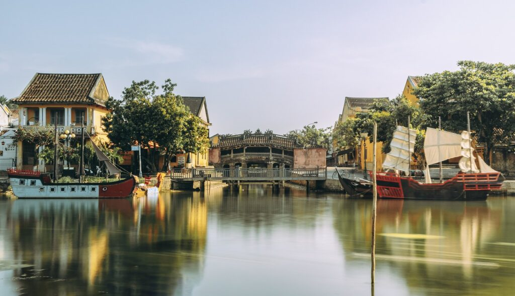 Hoi An Town Canal Vietnam  - trilemedia / Pixabay