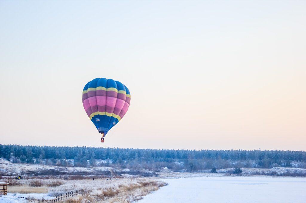 Hot Air Balloon Balloon Flight  - lev9302 / Pixabay