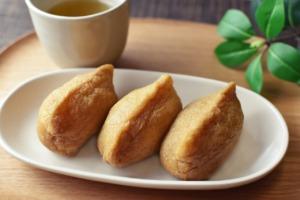 Inarizushi Japanese Cuisine Dish  - subarasikiai / Pixabay