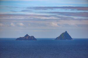 Island Rocks Ocean Horizon Clouds  - LeoCasey / Pixabay