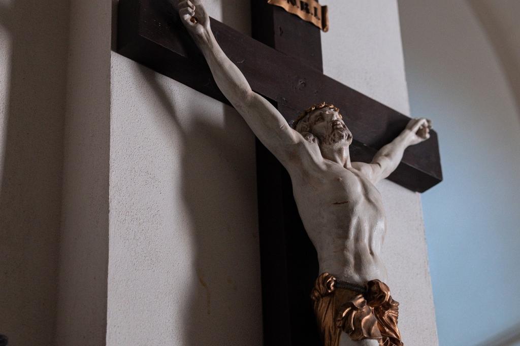 Jesus Cross Crucifixion Christ  - DolinaModlitwy / Pixabay