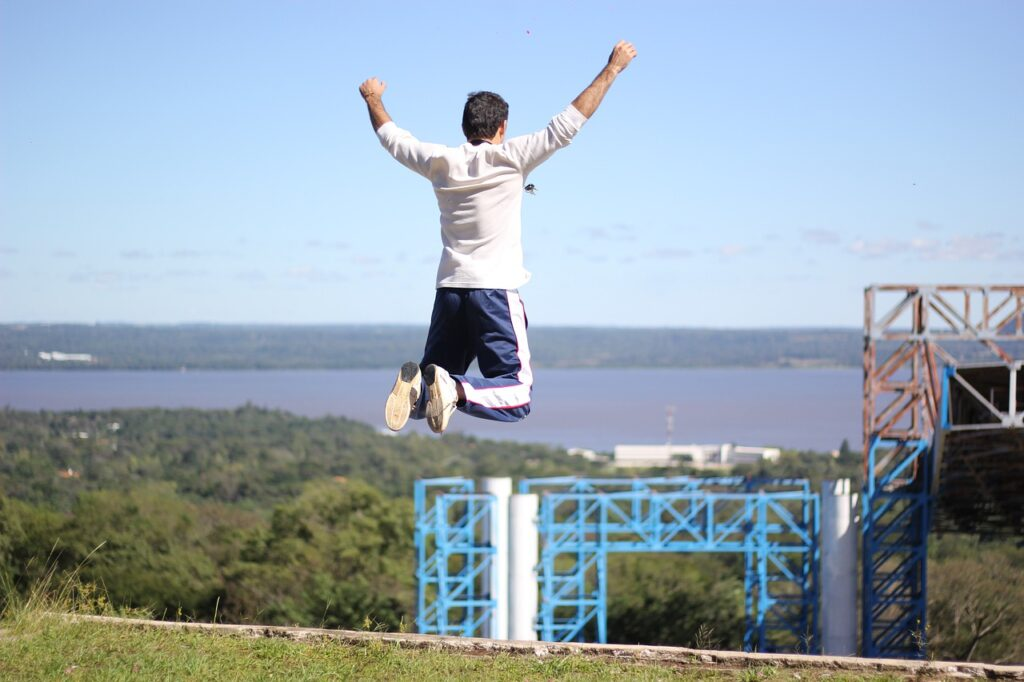 Jump Top Lake Risk Height Person  - jorgeparedes1992 / Pixabay