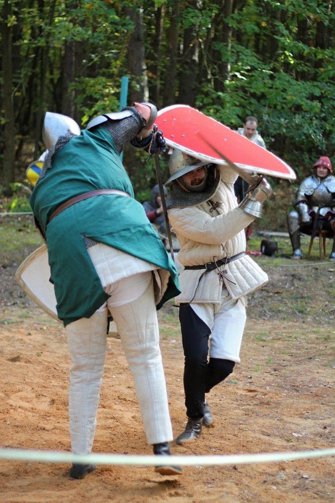 Knight Clash Armor Fight  - PetraSolajova / Pixabay