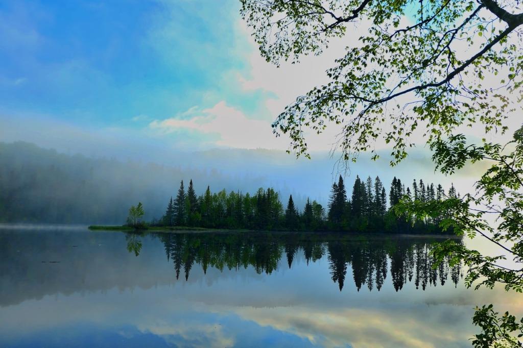 Lake Mist Reflection Water Nature  - AlainAudet / Pixabay