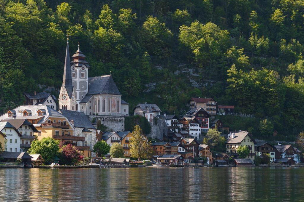 Lake Town Buildings Village  - werdepate / Pixabay